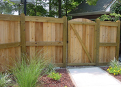 Wood Fence builder  in Houston,  TX